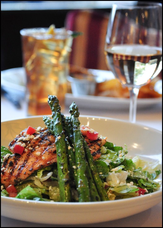 BRAVO! Grilled Salmon Salad (3)